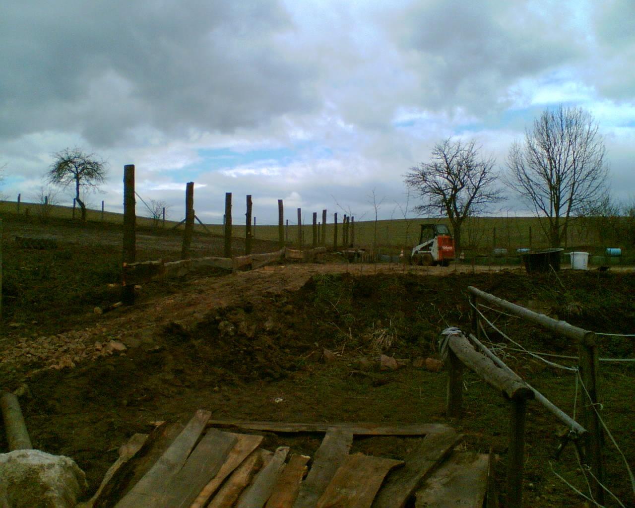 Bau des Reitplatzes